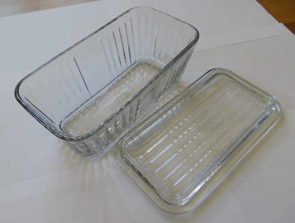 Anchor Hocking food container rectangular with glass lid